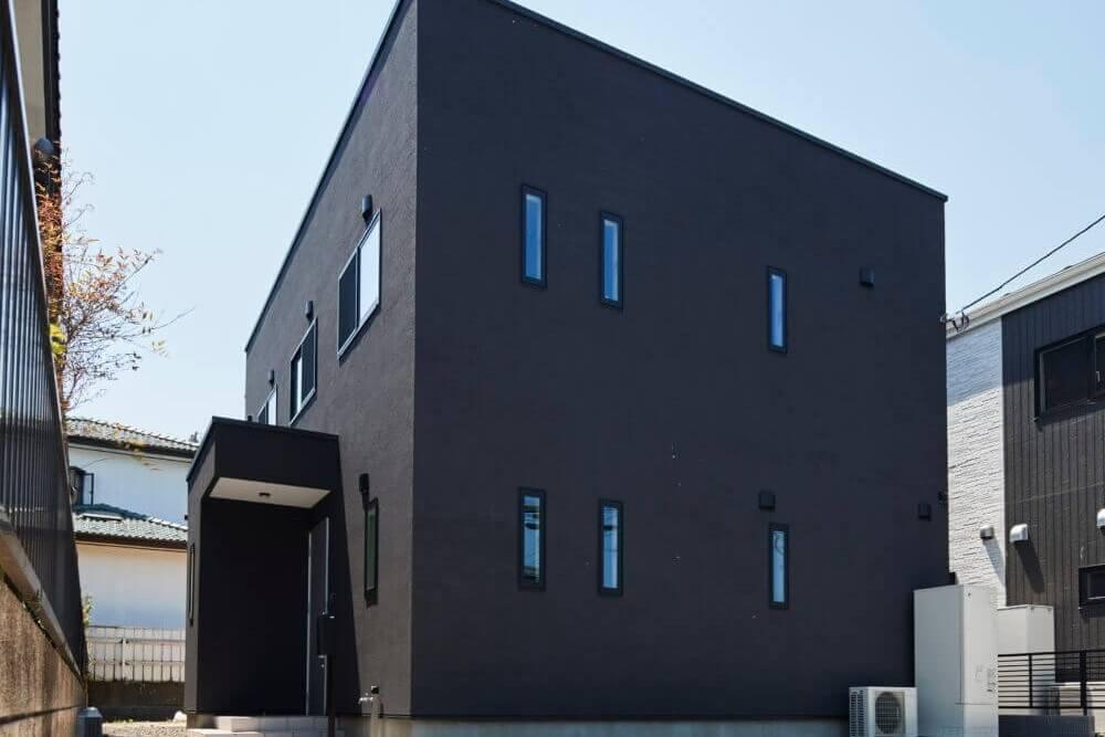 【夏季の塗り壁施工の注意点】 Jカラー、漆喰(ホワイトウォール)